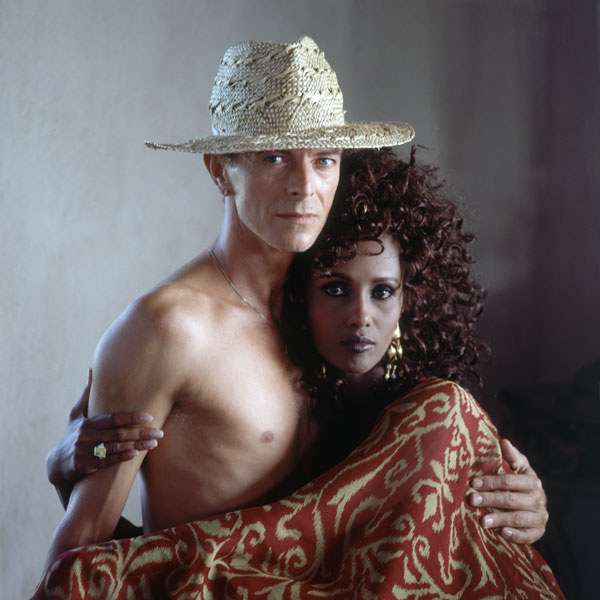dam-images-celebrity-homes-1992-david-bowie-david-bowie-iman-portrait